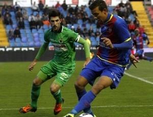 Após atuar contra CR7 e Messi, Botelho vai jogar com Ronaldinho