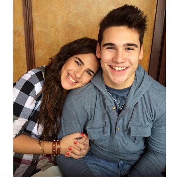 Lívian Aragão curte viagem com o namorado e posta foto