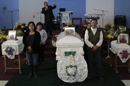 M綟 e filhas que teriam sido assassinadas pelo marido mexicano s縊 enterradas na Guatemala