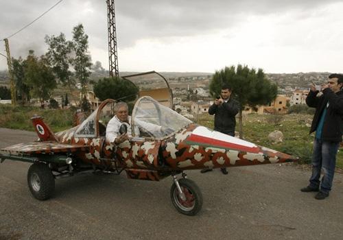 Libanês constrói réplica de caça em 4 meses que chega a 80 km/h