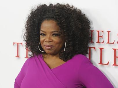 Estrela norte-americana Oprah Winfrey comemora um calmo 60º aniversário