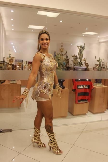 Mulher de Diogo Nogueira, Milena perde 5kg trocando pílula anticoncepcional por adesivo: ?Meu corpo ficou mais torneado?