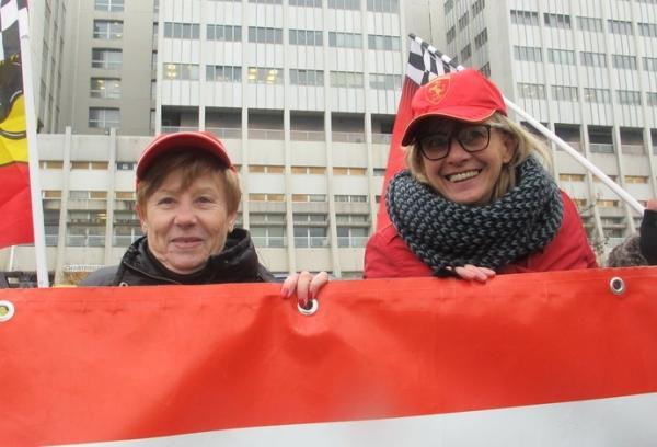 Fãs prestam homenagem em hospital pelo aniversário de Schumacher