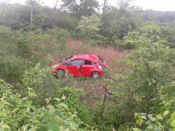Dez membros da mesma família sofrem acidente ao seguirem do Piauí para SP