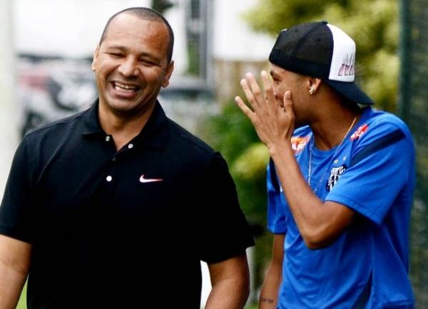 Mais um problema: Ministério Público diz que pai de Neymar deve à Receita