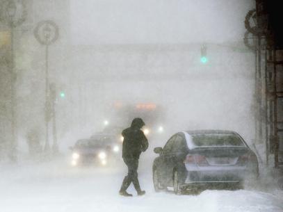 Tempestade causa 15 mortes nos EUA e amea軋 com temperaturas glaciares