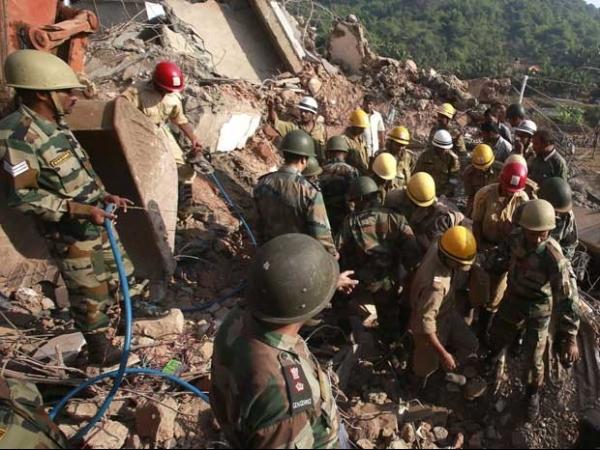 Vai a 14 o número de mortos em desmoronamento de edifício na Índia