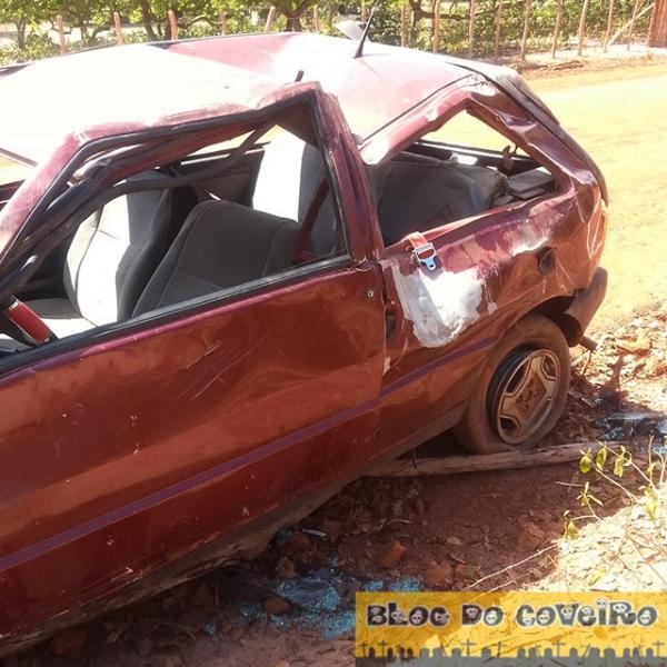 Veículo com dois ocupantes capota após o motorista perder o controle em Cocal