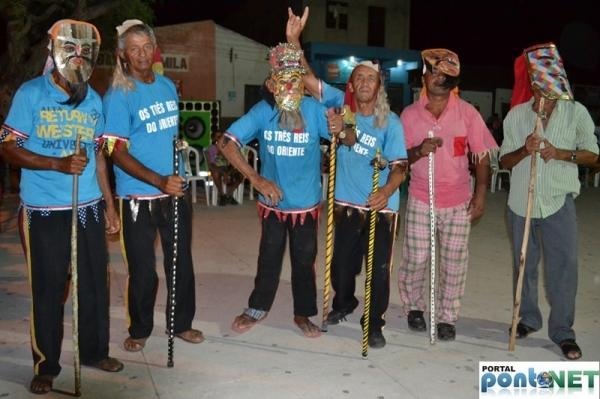 MASSAPÊ: Prefeitura promove festa dos Reis com apresentação cultural do Grupo de Reisado - Imagem 9