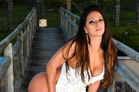 Ex-dançarina tenta fazer Latino pagar tratamento dentário, diz jornal
