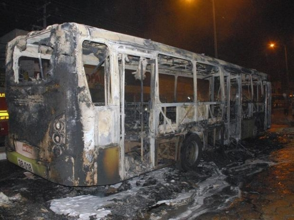 Morre menina de 6 anos queimada em ataque a ônibus no Maranhão