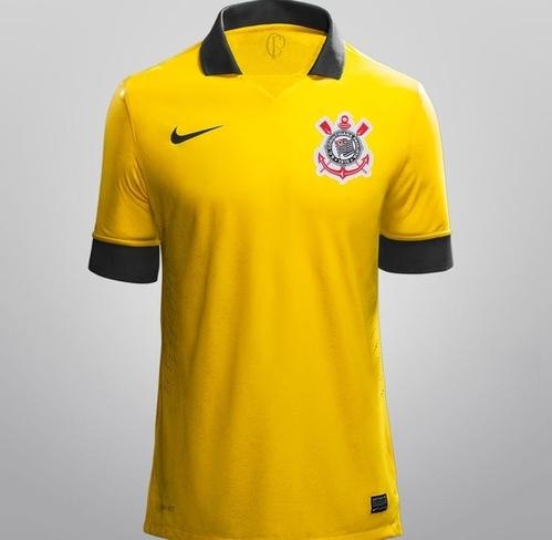 Modelo que seria a terceira camisa do Corinthians circula na internet