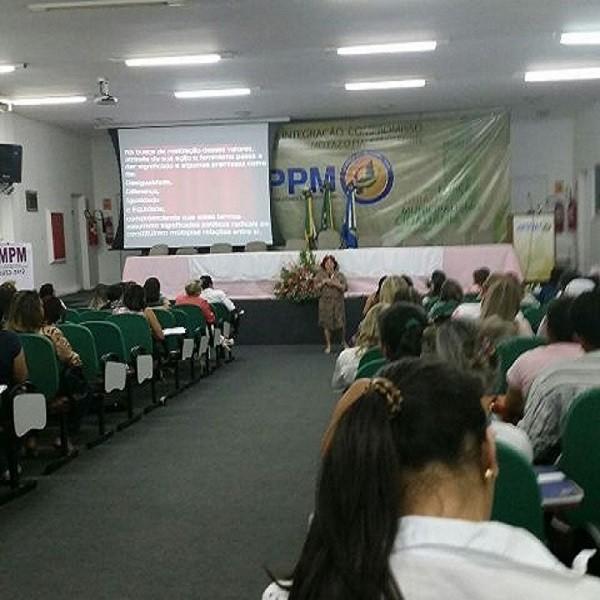 Prefeito de Floriano marca presença o Seminário ODM Mulher Piauí