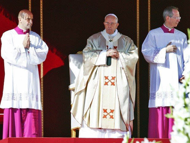 Papa Francisco beatifica Paulo VI durante missa no Vaticano - Imagem 1
