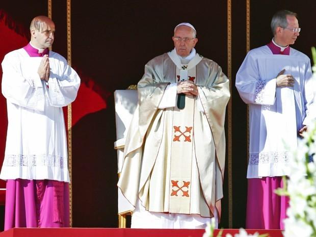 Papa Francisco beatifica Paulo VI durante missa no Vaticano
