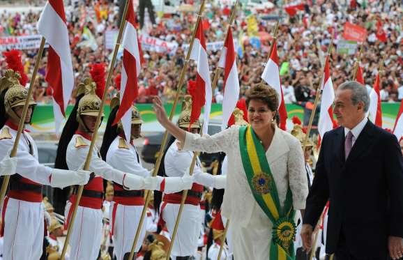Reeleita, Dilma foi de guerrilheira a presidente; relembre a trajetória da petista - Imagem 9