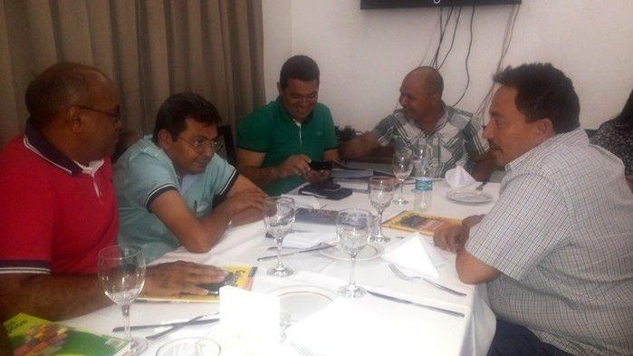 Prefeitos da Ampar realizam reunião em Teresina e debatem sobre eleição para novo presidente - Imagem 5
