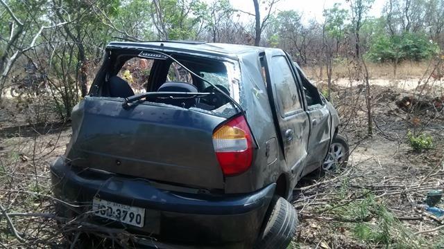 Fiat capota, mata um e deixa quatro feridos em Valença. Veja Fotos / - Imagem 4