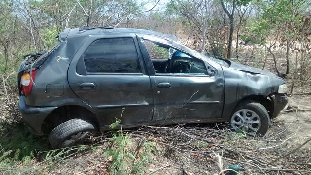 Fiat capota, mata um e deixa quatro feridos em Valença. Veja Fotos / - Imagem 3