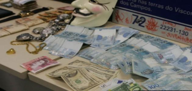Jovens de classe média alta são presos acusados de tráfico de drogas no Rio