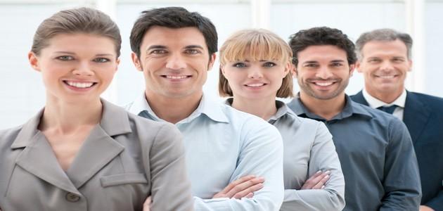 Pesquisa IBGE comprova que mulheres precisam trabalhar mais para ganhar mesmo que homens