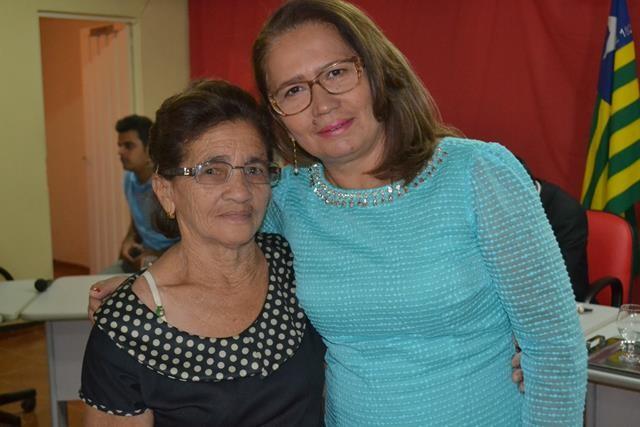 Vice-prefeita Lucia Lacerda assumi a prefeitura de Pimenteiras - Imagem 56