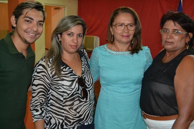 Vice-prefeita Lucia Lacerda assumi a prefeitura de Pimenteiras - Imagem 64