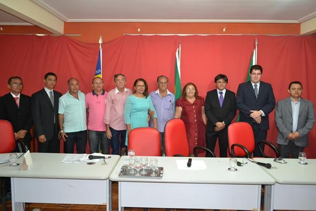 Vice-prefeita Lucia Lacerda assumi a prefeitura de Pimenteiras - Imagem 31