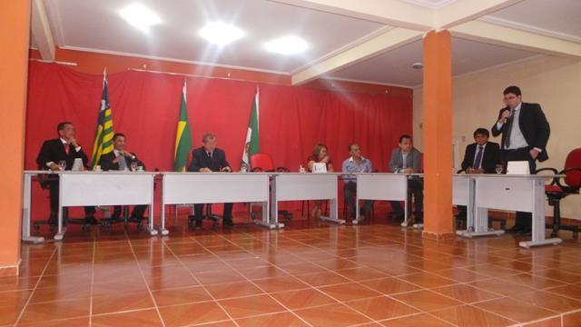 Vice-prefeita Lucia Lacerda assumi a prefeitura de Pimenteiras - Imagem 3
