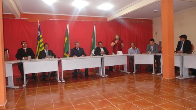 Vice-prefeita Lucia Lacerda assumi a prefeitura de Pimenteiras - Imagem 2