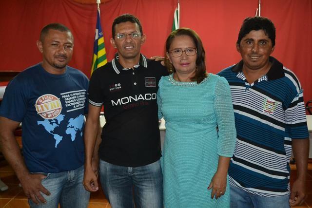 Vice-prefeita Lucia Lacerda assumi a prefeitura de Pimenteiras - Imagem 47