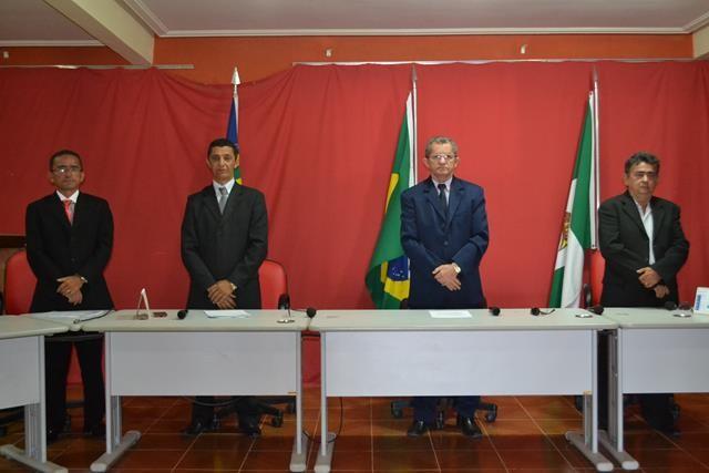 Vice-prefeita Lucia Lacerda assumi a prefeitura de Pimenteiras - Imagem 17