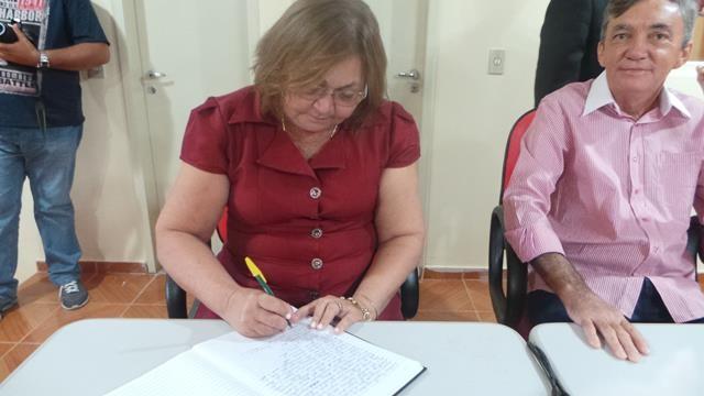Vice-prefeita Lucia Lacerda assumi a prefeitura de Pimenteiras - Imagem 16