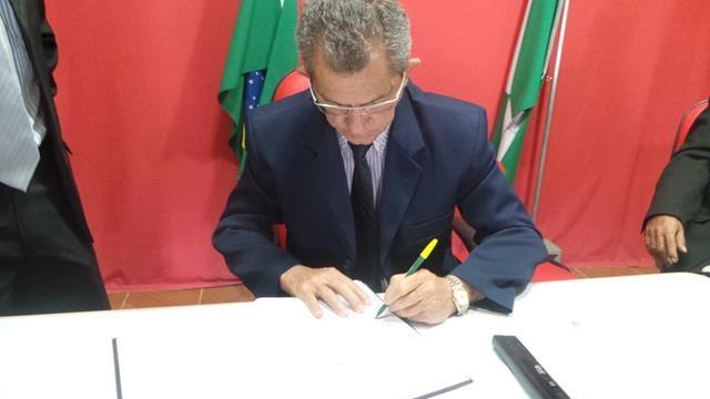 Vice-prefeita Lucia Lacerda assumi a prefeitura de Pimenteiras - Imagem 11