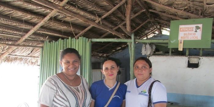 Alunos da Escola Roque Alencar visitam a casa de Recuperação vida verdadeira em Água Branca