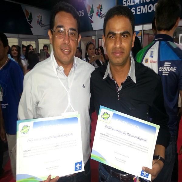 """Prefeito Reginaldo recebe certificado """"Prefeitura Amiga dos Pequenos Negócios"""""""
