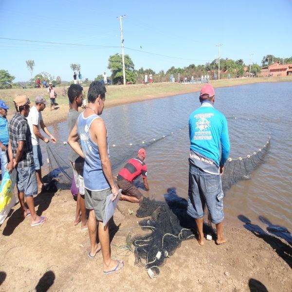 Equipe faz teste para o 1° Festival do Peixe