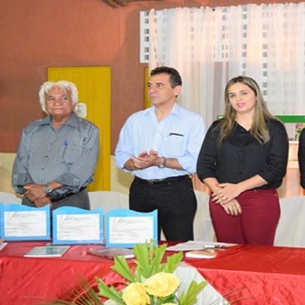 Prefeito participa de encerramento do Projeto de Leitura do Sesc Floriano