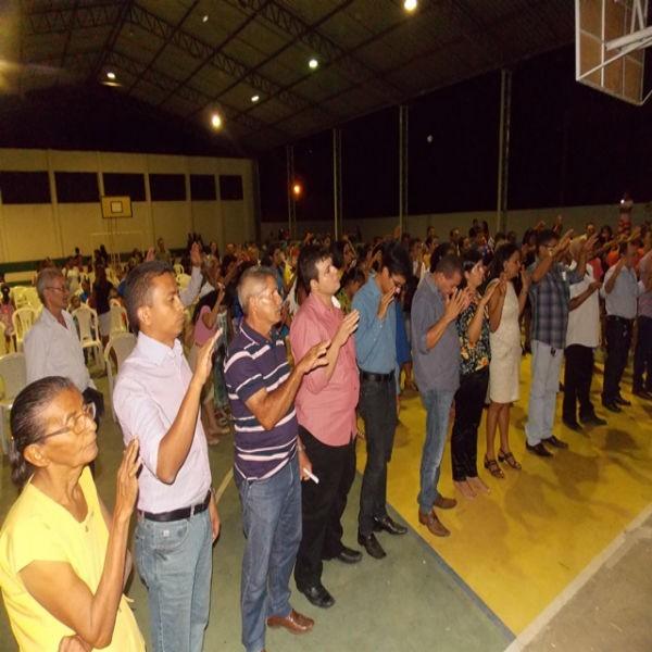 Adoração e fé em comemoração aos 58 anos da cidade de São Francisco do Piauí