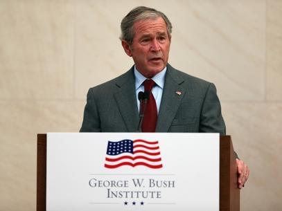 EUA: homem com rifle e facão é preso por ameaçar George W. Bush