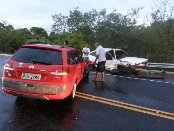 Após 24h de tragédia que matou três, veículos colidem novamente na BR-343 no Piauí