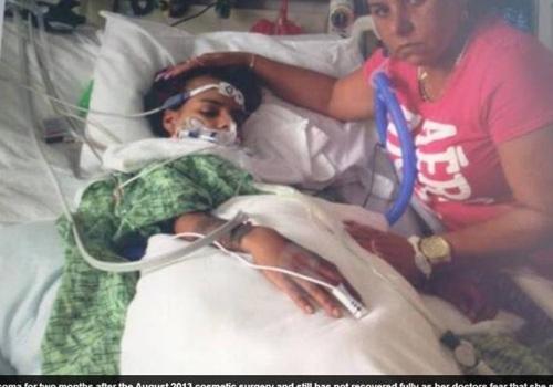 Após colocar silicone nos seios, jovem fica em coma e paralítica