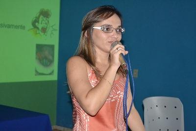 Palestra com fonoaudióloga encerra semana pedagógica e orienta professores sobre cuidados com a voz