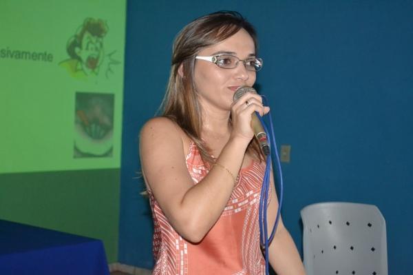 Palestra com fonoaudióloga encerra semana pedagógica e orienta professores sobre cuidados com a voz  - Imagem 6