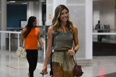 Grazi Massafera não come direito após acidente de Isis Valverde, diz jornal