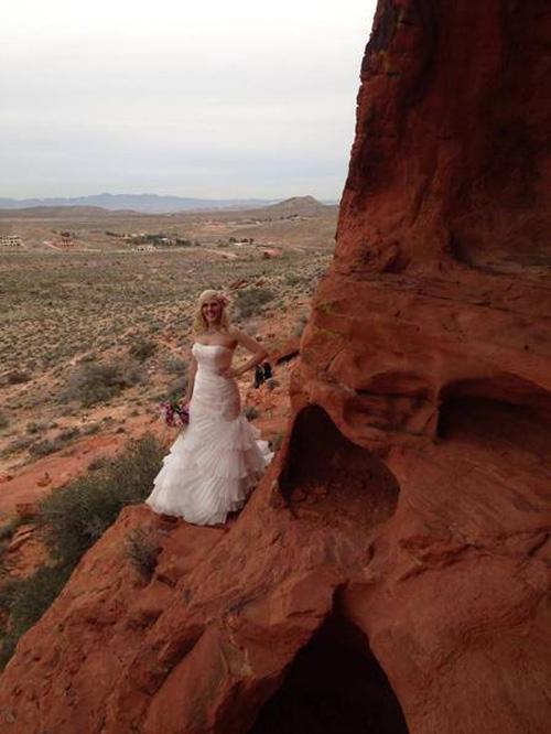 Recém-casada morre em salto de base jump e marido assiste à queda
