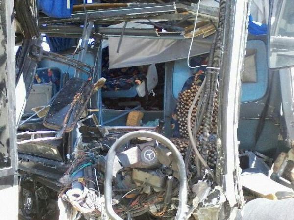 Grave acidente envolvendo dois ônibus na BR-020 - Imagem 5