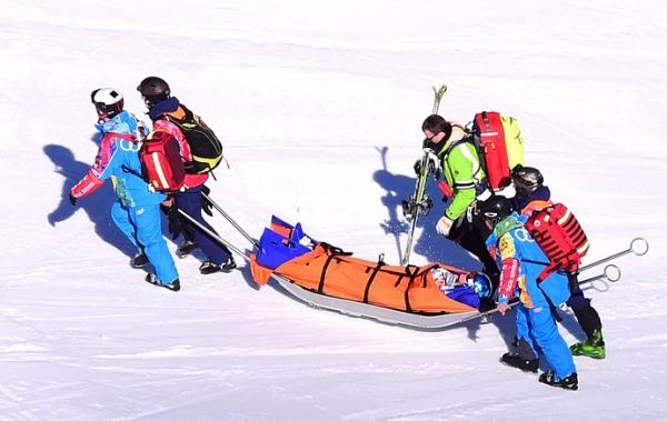 Atleta de Mônaco sofre queda no downhill e sai da prova de helicóptero