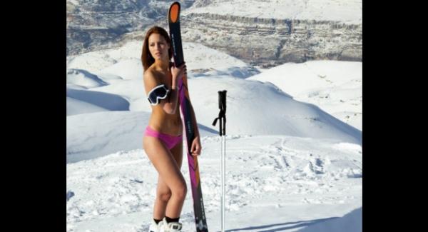 Esquiadora libanesa, que está em Sochi, faz topless na neve e arruma problema com governo do seu país