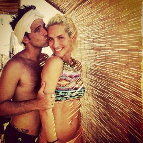 Giovanna Ewbank posta foto com Bruno Gagliasso e se declara